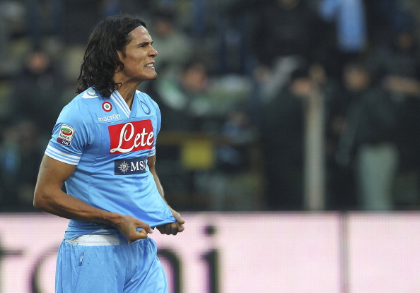 PARMA, ITALY - JANUARY 27:  Edinson Cavani of SSC Napoli celebrates a victory at the end of the Serie A match between Parma FC and SSC Napoli at Stadio Ennio Tardini on January 27, 2013 in Parma, Italy.  (Photo by Marco Luzzani/Getty Images)