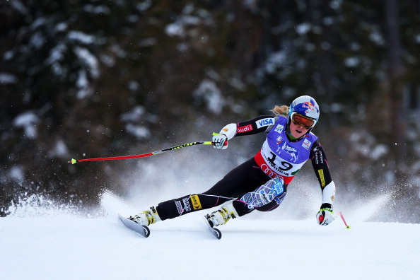 SCHLADMING, AUSTRIA - FEBRUARY 05:  lindsey vonn of the United States of America skis before crashing while competing in the Women's Super G event during the Alpine FIS Ski World Championships on February 5, 2013 in Schladming, Austria.  (Photo by Alexander Hassenstein/Getty Images)