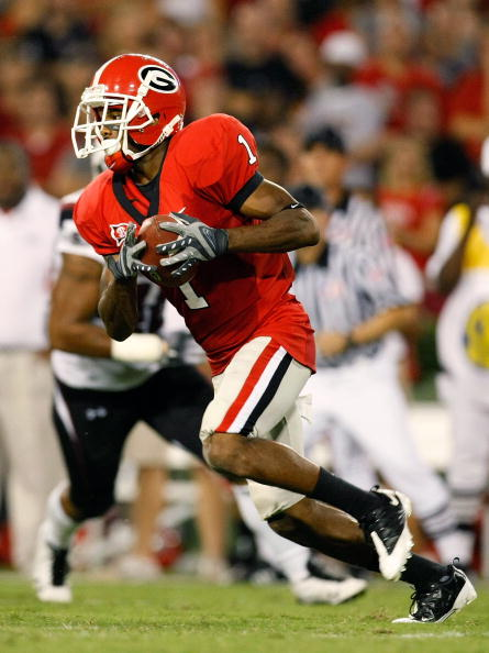 ATHENS, GA - SEPTEMBER 12:  Branden Smith #1 of the Georgia Bulldogs rushes a reverse for a touchdown against the South Carolina Gamecocks at Sanford Stadium on September 12, 2009 in Athens, Georgia.  (Photo by Kevin C. Cox/Getty Images)
