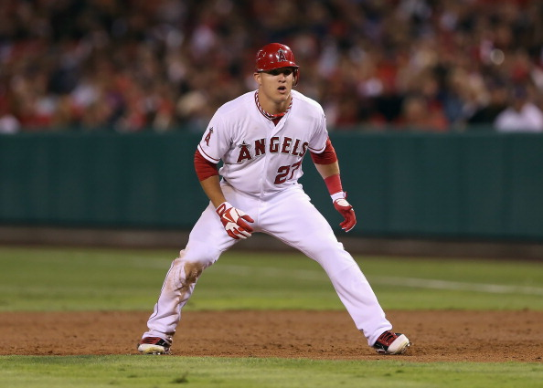 ANAHEIM, CA - SEPTEMBER 25:  Mike Trout #27 of the Los Angeles Angels of Anaheim leads off of first base against the Seattle Mariners at Angel Stadium of Anaheim on September 25, 2012 in Anaheim, California.  (Photo by Jeff Gross/Getty Images)