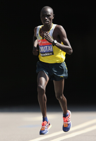 LONDON, ENGLAND - APRIL 21:  Emmanuel Mutai of Kenya in action  in the Men's Elite section during the Virgin London Marathon 2013 on April 21, 2013 in London, England.  (Photo by Ian Walton/Getty Images)