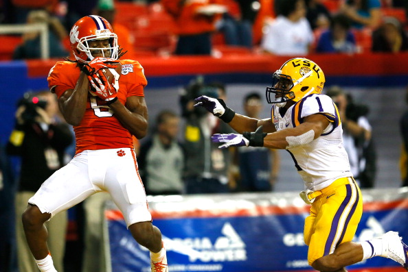 ATLANTA, GA - DECEMBER 31:  DeAndre Hopkins #6 of the Clemson Tigers pulls in a touchdown reception against Eric Reid #1 of the LSU Tigers during the 2012 Chick-fil-A Bowl at Georgia Dome on December 31, 2012 in Atlanta, Georgia.  (Photo by Kevin C. Cox/Getty Images)