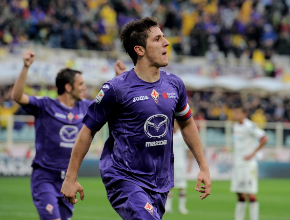 FLORENCE, ITALY - NOVEMBER 04:  Stevan Jovetic of ACF Fiorentina celebrates after scoring his team's second goal during the Serie A match between ACF Fiorentina and Cagliari Calcio at Stadio Artemio Franchi on November 4, 2012 in Florence, Italy.  (Photo by Dino Panato/Getty Images)