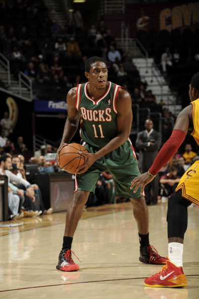 CLEVELAND, OH - OCTOBER 8:  Brandon Knight #11 of the Milwaukee Bucks looks to pass the ball against the Cleveland Cavaliers at The Quicken Loans Arena on October 8, 2013 in Cleveland, Ohio. NOTE TO USER: User expressly acknowledges and agrees that, by downloading and/or using this Photograph, user is consenting to the terms and conditions of the Getty Images License Agreement. Mandatory Copyright Notice: Copyright 2013 NBAE (Photo by David Liam Kyle/NBAE via Getty Images)