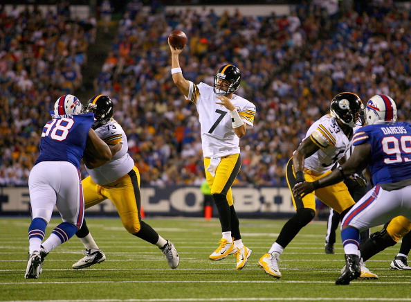 ORCHARD PARK, NY - AUGUST 25: Ben Roethlisberger #7 of the Pittsburgh Steelers throws against the Buffalo Bills at Ralph Wilson Stadium on August 25, 2012 in Orchard Park, New York. (Photo by Rick Stewart/Getty Images)