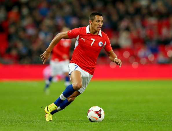 LONDON, ENGLAND - NOVEMBER 15:  Alexis Sanchez of Chile in action during the international friendly match between England and Chile at Wembley Stadium on November 15, 2013 in London, England.  (Photo by Alex Livesey/Getty Images)