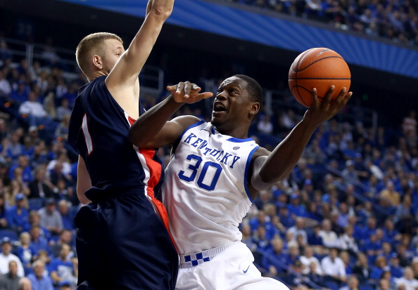LEXINGTON, KY - DECEMBER 21:  Julius Randle #30 of the Kentucky Wildcats shoots the ball during the game against the Belmont Bruins during the game at Rupp Arena on December 21, 2013 in Lexington, Kentucky.  (Photo by Andy Lyons/Getty Images)
