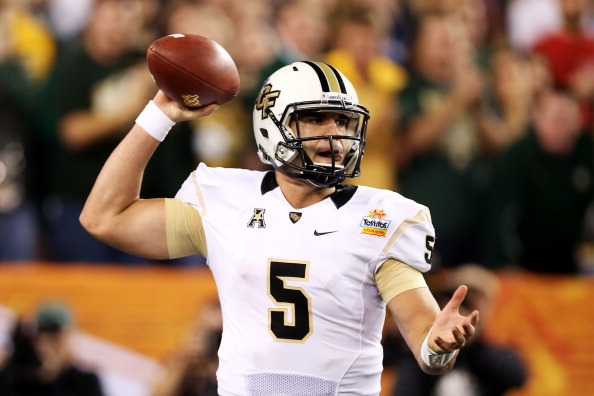 GLENDALE, AZ - JANUARY 01:  Blake Bortles #5 of the UCF Knights looks to pass against the Baylor Bears during the Tostitos Fiesta Bowl at University of Phoenix Stadium on January 1, 2014 in Glendale, Arizona.  (Photo by Christian Petersen/Getty Images)