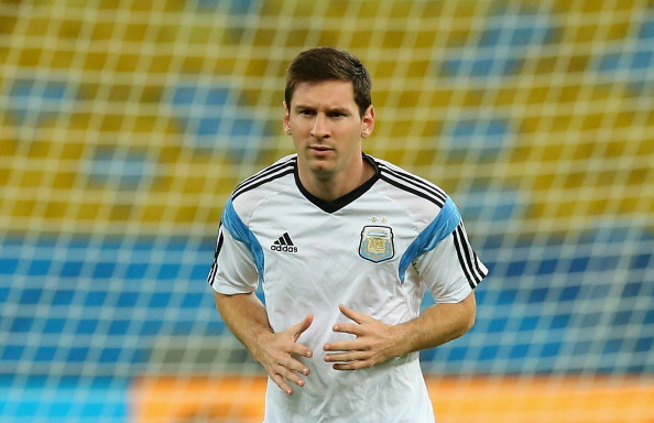 RIO DE JANEIRO, BRAZIL - JUNE 14:  Lionel Messi of Argentina during a training session at Maracana stadium on June 14, 2014 in Rio de Janeiro, Brazil.  (Photo by Ronald Martinez/Getty Images)