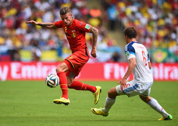 RIO DE JANEIRO, BRAZIL - JUNE 22: Toby Alderweireld of Belgium controls the ball against Maksim Kanunnikov of Russia during the 2014 FIFA World Cup Brazil Group H match between Belgium and Russia at Maracana on June 22, 2014 in Rio de Janeiro, Brazil.  (Photo by Matthias Hangst/Getty Images)
