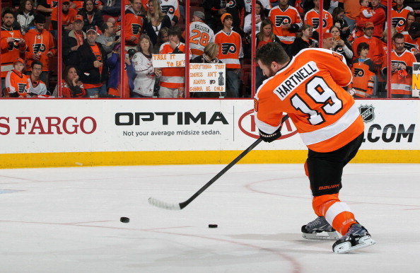 PHILADELPHIA, PA - APRIL 29:  Scott Hartnell #19 of the Philadelphia Flyers warms up prior to Game Six of the First Round of the 2014 Stanley Cup Playoffs against the New York Rangers at the Wells Fargo Center on April 29, 2014 in Philadelphia, Pennsylvania.  (Photo by Len Redkoles/NHLI via Getty Images)