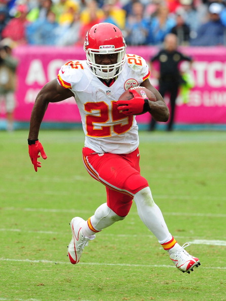 NASHVILLE, TN - OCTOBER 6: Jamaal Charles #25 of the Kansas City Chiefs carries the ball against the Tennessee Titans at LP Field on October 6, 2013 in Nashville, Tennessee. (Photo by Scott Cunningham/Getty Images)