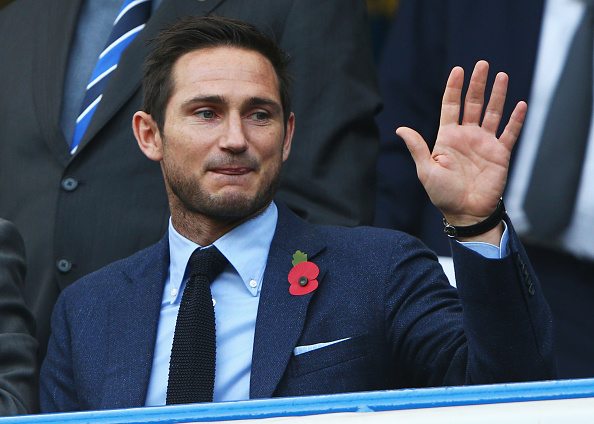 LONDON, ENGLAND - OCTOBER 31:  Former Chelsea player Frank Lampard waves on the stand prior to the Barclays Premier League match between Chelsea and Liverpool at Stamford Bridge on October 31, 2015 in London, England.  (Photo by Ian Walton/Getty Images)