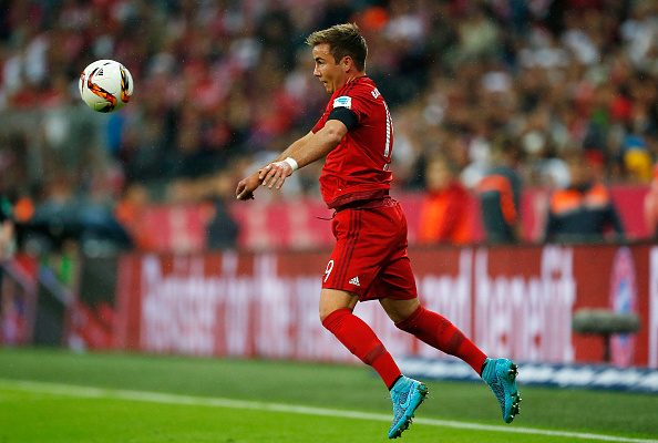 MUNICH, GERMANY - SEPTEMBER 22:  Mario Goetze of Muenchen controls the ball during the Bundesliga match between FC Bayern Muenchen and VfL Wolfsburg at Allianz Arena on September 22, 2015 in Munich, Germany.  (Photo by Boris Streubel/Getty Images)