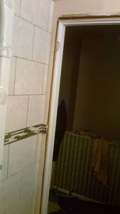 Bathroom reno   ceramic tile  wall  installing issues (19)