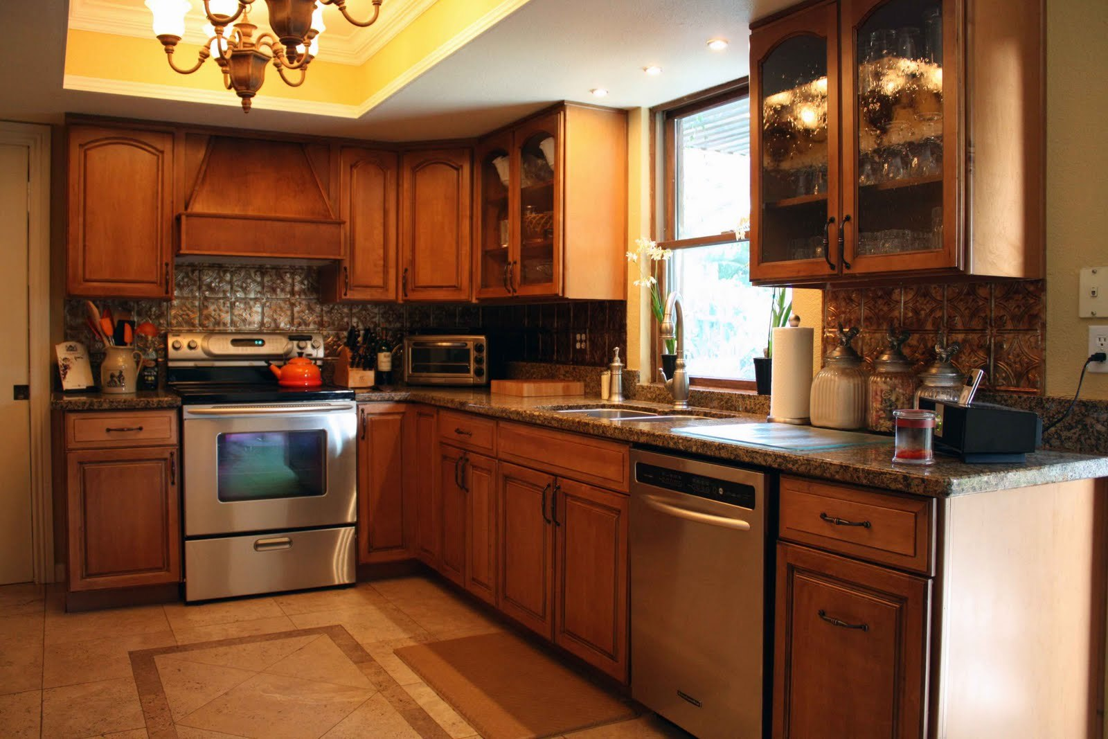 Cleaning Oak Kitchen Cabinets Incredible Kitchen Awesome Oak Wood Kitchen Cabinets Cleaning With