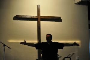 Pastor honoring God