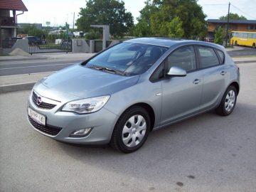 Opel Astra 1,7 CDTI 2011g 106 Tkm SERVISNA  KARICE 36-60 RATA