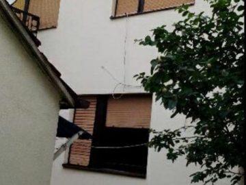 BIH, Orašje, Deveta ulica, samostojeća kuća katnica, 2 etaže