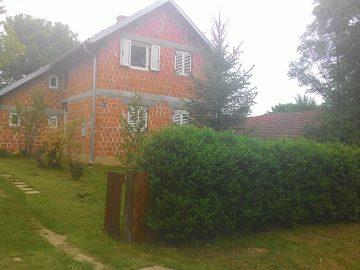 Kuća između Vrbovca i Čazme