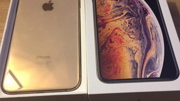 Apple iPhone Xs 64GB €400 iPhone Xs Max 64gb €430 iPhone X 64gb €300 WhatsApp +44 7451 238998
