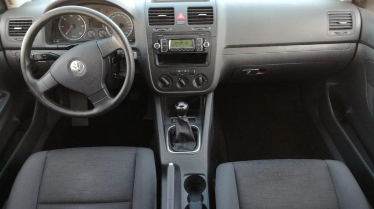 VW Golf V 2,0 Diesel 2008 god.Registriran do 10 mjeseca 2019 godine