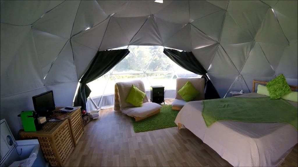 Geodesic Glamping Dome at Dorset Country Glamping Holidays – dche.co.uk