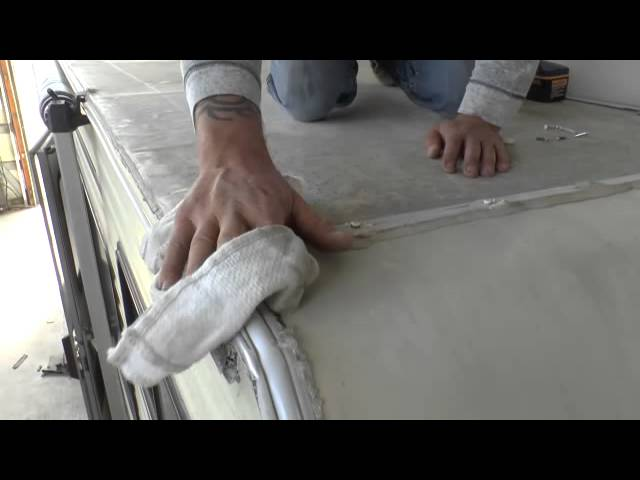 RV Roof Sealant Tip