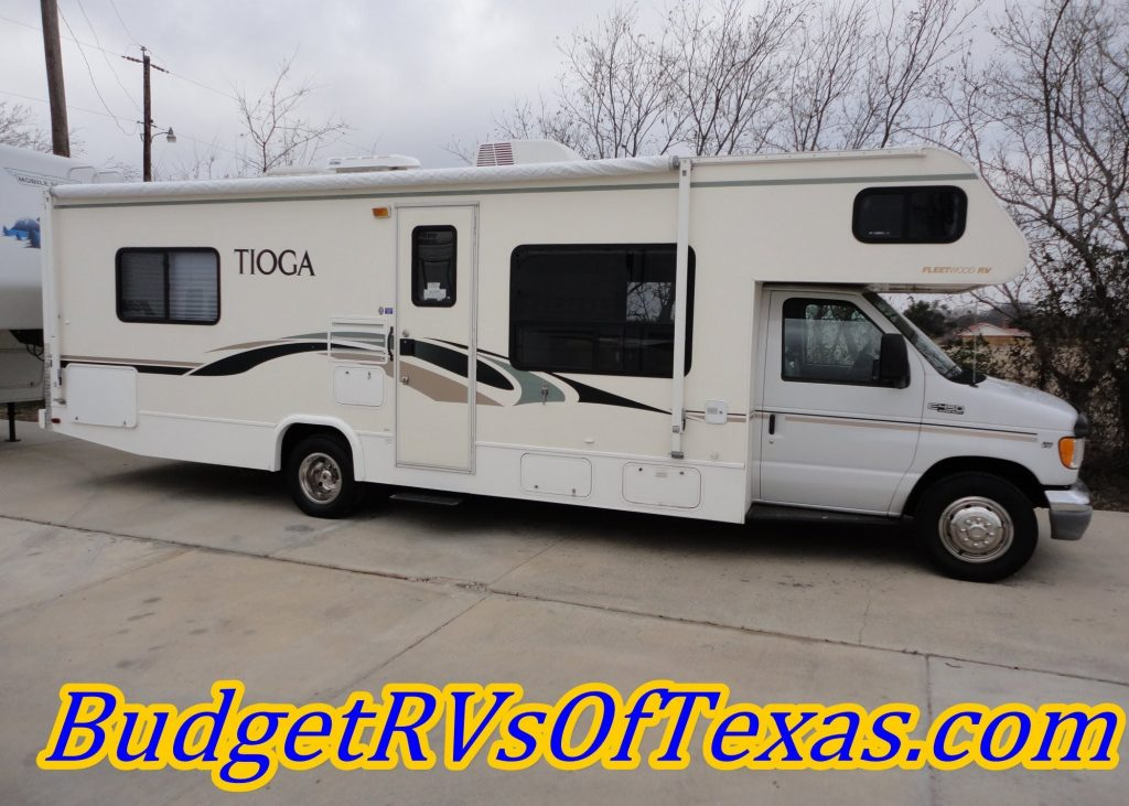 Easy To Drive Low Mile Class C RV Sleeps 8! 2003 30FT Tioga