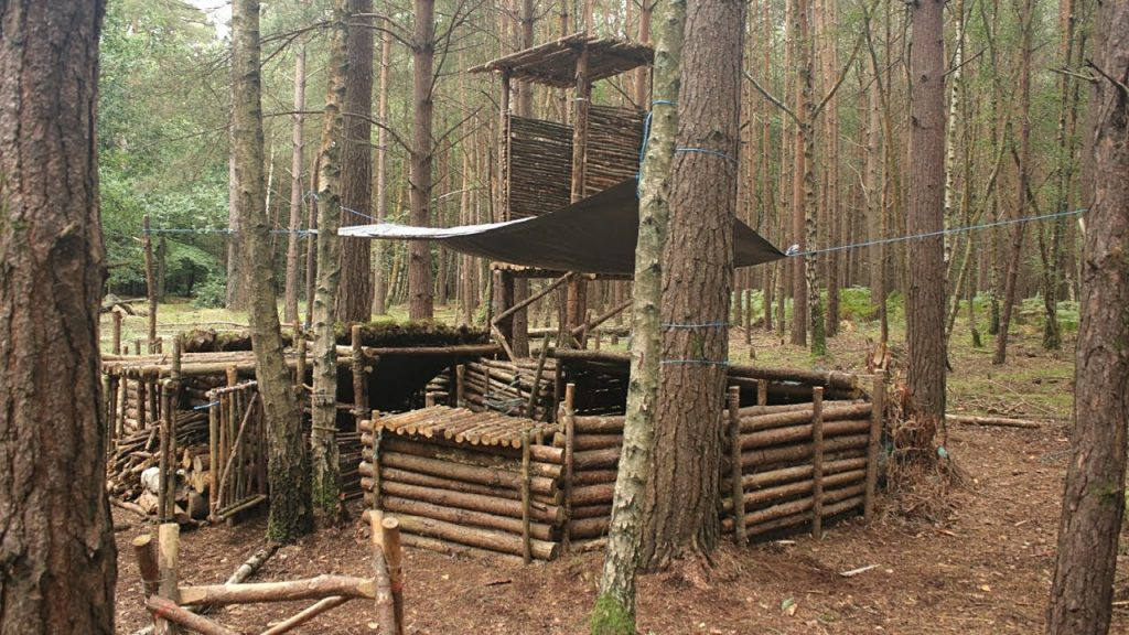Bushcraft & Fishing – Catch and Cook Smoked Fish at the Log Fort Camp