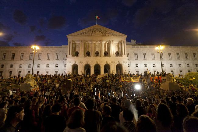 Começa a Ocupação de Lisboa (15/10/2011). Foto de Fernando Mendes copyright Demotix.