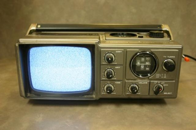 Vintage TV und Radio