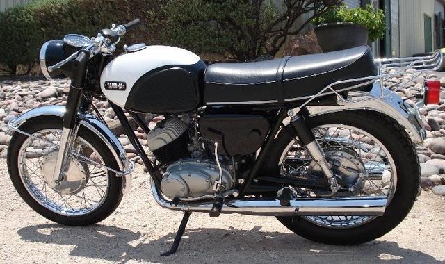 1967 Yamaha YDS3