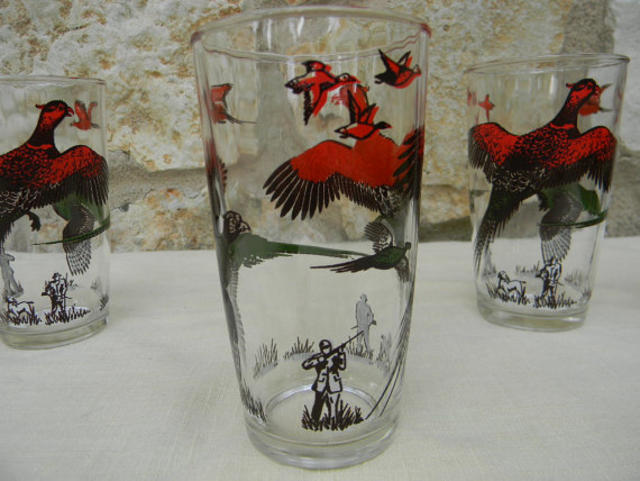 Vintage Glassware Set Pheasant Hunters Red by AustinMetroRetro