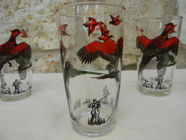 Vintage Glassware Set Pheasant Hunters Red by AustinMetroRetro