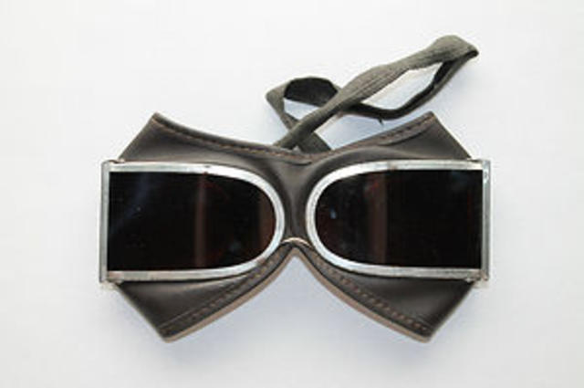 Military Goggles with Leather Case