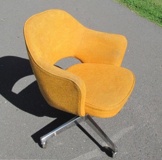 Eero Saarinen Executive Chair