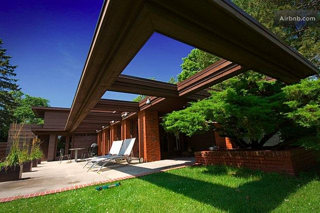 Frank Lloyd Wright's Schwartz House in Two Rivers, WI
