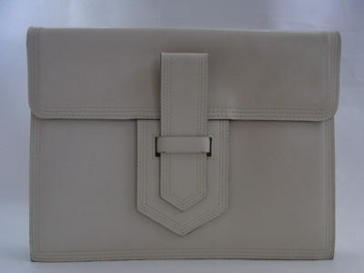 Yves saint laurent beige envelope clutch bag bureau of trade for Bureau yves saint laurent