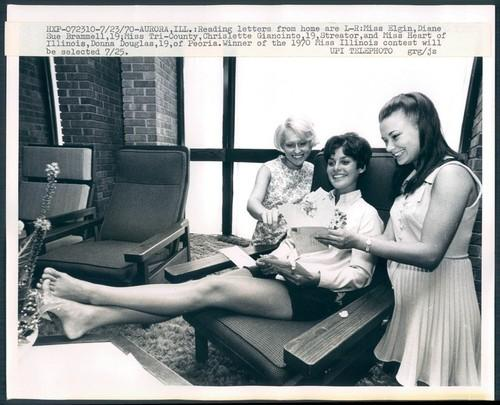 Photo of Miss Illinois Beauty Contestants Reading Letters from Home, 1970