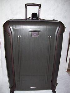 Vapor Series 32-Inch Extended Stay Suitcase