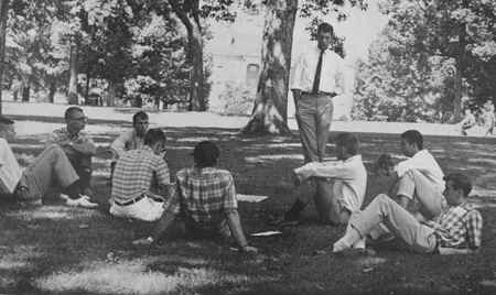 This is how hanging out on campus should be