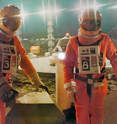 Space 1999, Groovy orange spacesuits