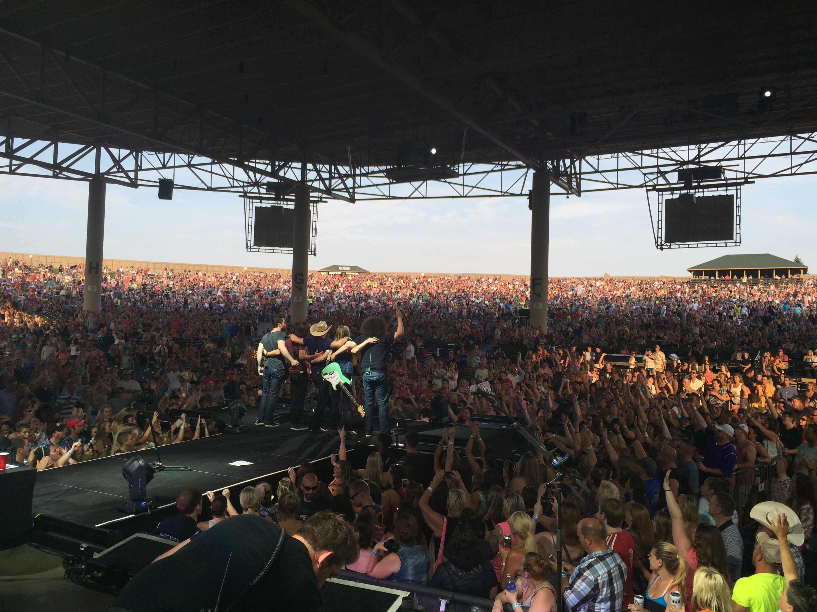 Dustin Lynch performing live for a packed crowd in Indianapolis, IN
