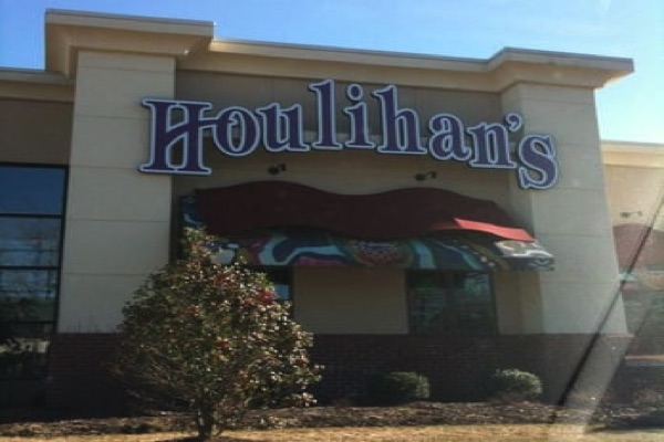 Closed Eatontown Houlihan's Purchased By 'Local Land Developer'