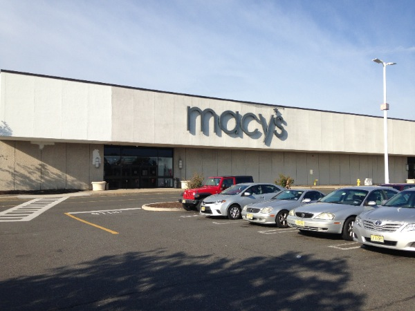 Macy's To Close 35-40 Stores Next Year