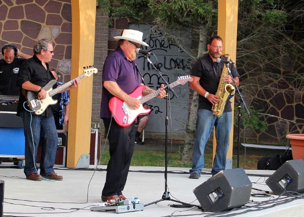 Bob Lanza Band Brings Blues To West End