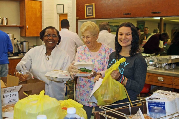 St. Luke's Holds Easter Dinner