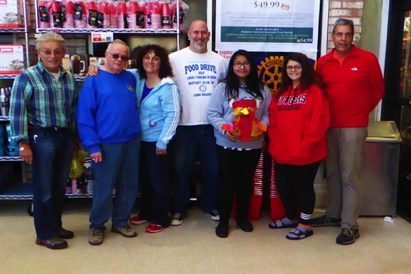 Long Branch Rotary and Middle School Collect for Thanksgiving