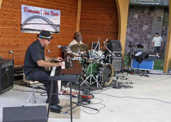 Running Dog Band Plays The Blues in West End
